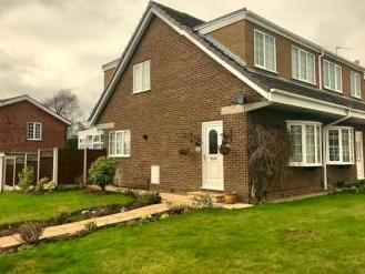 Padstow Close, Macclesfield Sk10