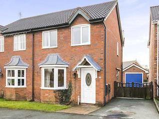 Cabin Lane, Oswestry Sy11 - Listed