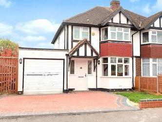 Roundways, Ruislip, Middlesex Ha4