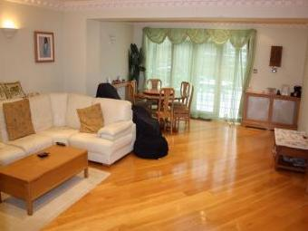 Portland Crescent, Stanmore, Middlesex, UK HA7