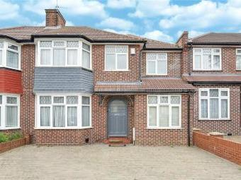 Peareswood Gardens, Stanmore, Middlesex HA7