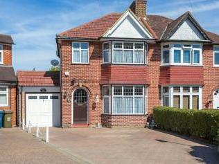 Home Mead, Stanmore HA7 - Detached