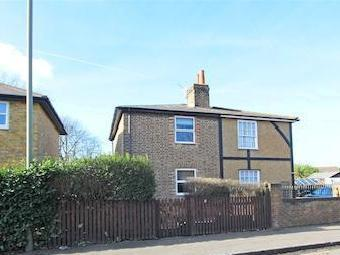Kempton Park, Staines Road East, Sunbury-On-Thames TW16