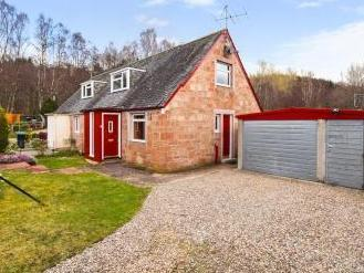 Dalcroy Crescent, Tummel Bridge, Pitlochry PH16
