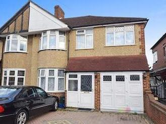 Cheyne Avenue, Whitton, Twickenham TW2
