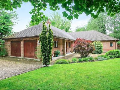 House for sale, Shallon - Garden