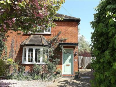 Simmil Road, Claygate, Kt10 - Garden