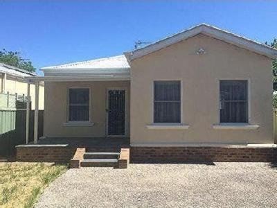 House to rent Coster Street - Garden
