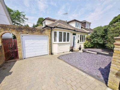 St. Charles Road, Brentwood, CM14