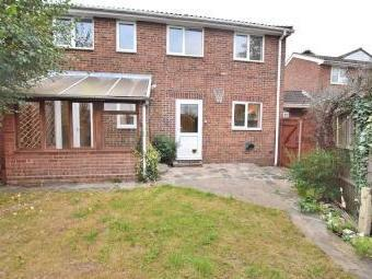 Spencer Close, Stansted CM24 - Patio