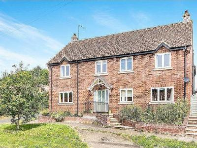 House for sale, Station Street