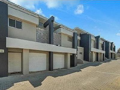 Strathpine, QLD, 4500 - Near Beach