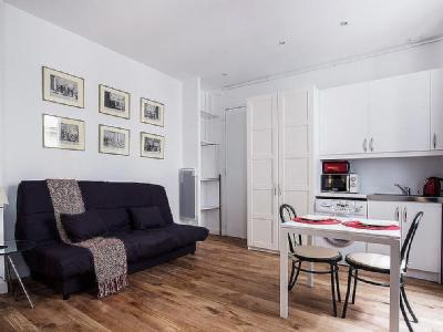 Appartement à louer, Paris - Studio, Gardien