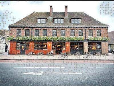 Ravensbourne Arms, Romborough Way, Lewisham, London SE13