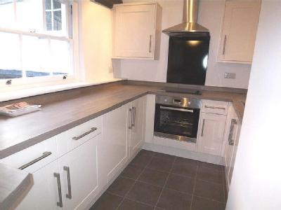 Bancroft, Hitchin, Sg5 - Fireplace