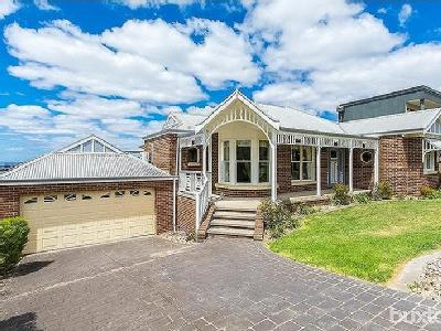 Kyeema Avenue, Highton - Near Beach