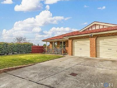 18 Hobday Place, Dunlop, ACT, 2615