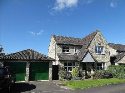 House for sale, Swansfield - Detached