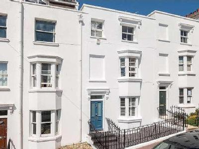 Clifton Place, Brighton, East Sussex, Bn1