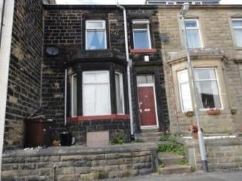 Knowsley Street, Colne BB8 - House