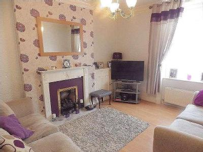 Hadfield Place, Glossop, Sk13