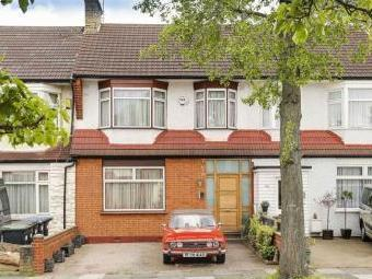 Princes Avenue, London N13 - Garden
