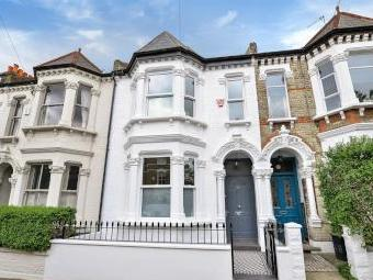 Nansen Road, London SW11 - House