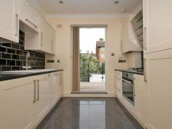 House for sale, Median Road E5