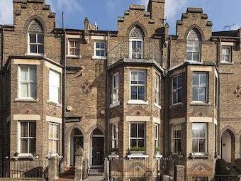 Branch Hill, Hampstead Village NW3