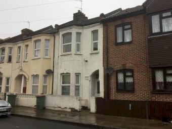 Otley Road, Canning Town E16 - Garden