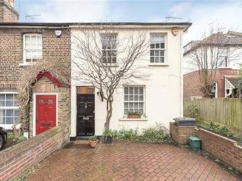 House for sale, Pages Lane N10