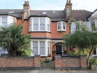 Conway Road, London N14 - House