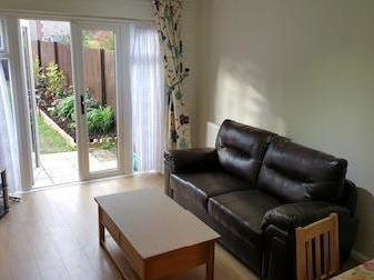 House to let, Colindale Nw9