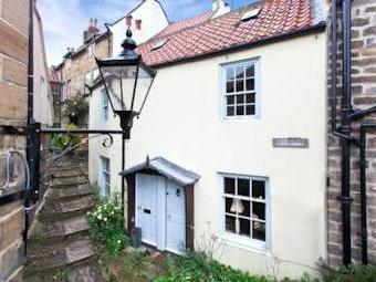 Cliff Street, Whitby Yo22 - Cottage