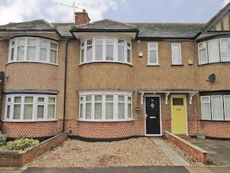Cottingham Chase, Ruislip Manor Ha4