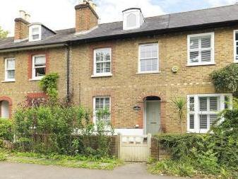 Portsmouth Road, Thames Ditton KT7