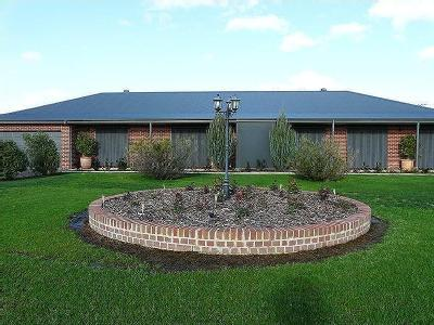 Tocumwal, NSW, 2714 - House, Parking