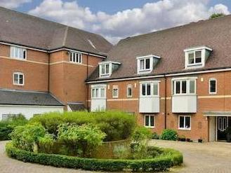 Wingfield Court, Banstead Sm7