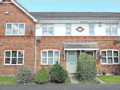 Pipers Court, Irlam, M44 - Garden