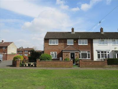 Travic Road, Slough , SL2 - House