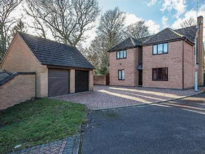 Treeneuk Close,  Chesterfield, S40
