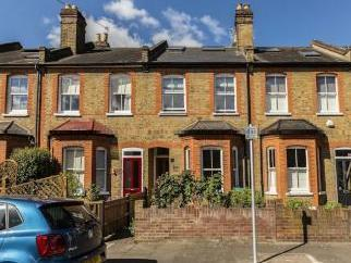 Heath Gardens, Twickenham TW1 - House
