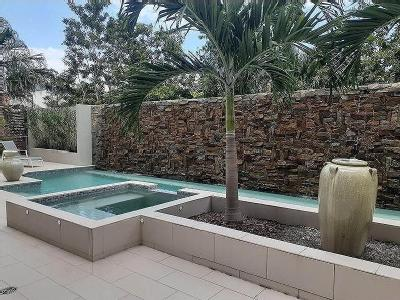 2 Bedroom Flats Apartments For Rent In Cairns Central Nestoria