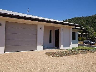 Pease Street, Tully - Air Con, Patio