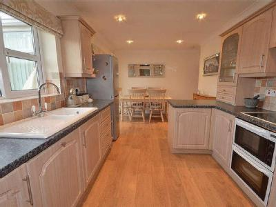 Aire Valley Mount, Castleford, WF10
