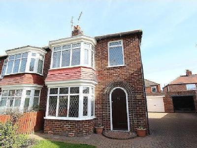 Whitby Crescent, Redcar, TS10 - House