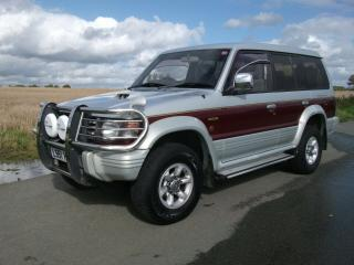 1993 MITSUBISHI PAJERO EXCEED 2.8TD SILVER/RED