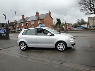 2009 58 VOLKSWAGEN POLO 1.4 LITRE MATCH 5 DOOR IN METALLIC SILVER ONE OWNER