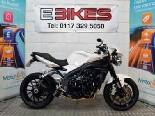 2010 10 TRIUMPH SPEED TRIPLE 1050 NAKED STREETFIGHTER 1050CC
