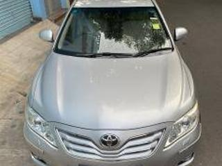 Silver 2010 Toyota Camry W3 MT 49,600 kms driven in Domlur